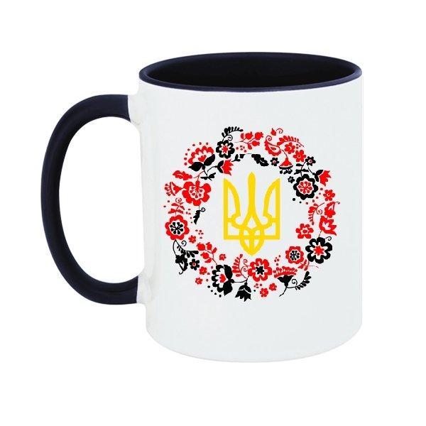 Чашка с трезубцем в орнаменте