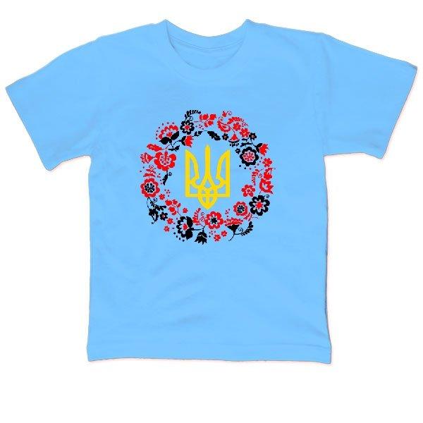 Детская футболка с трезубцем в орнаменте